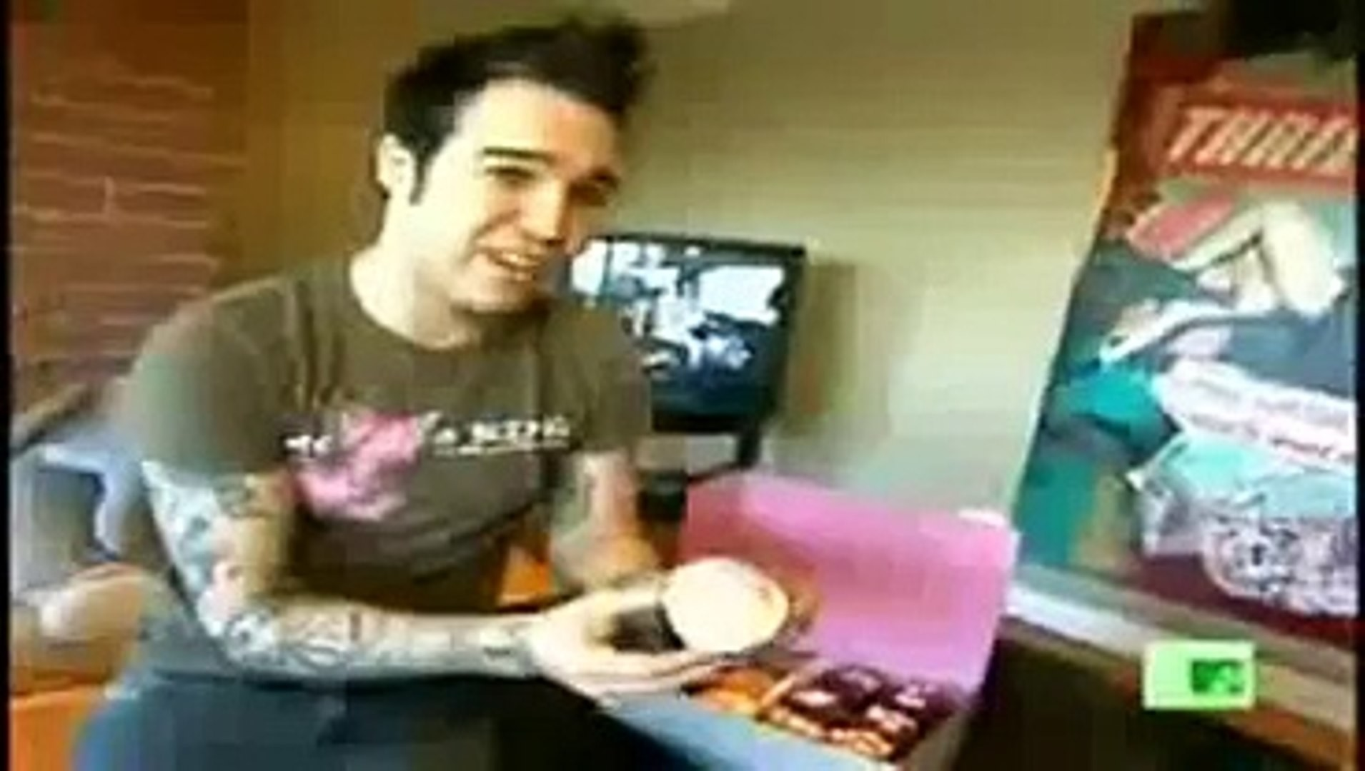 Remembering The Time That Fall Out Boy S Pete Wentz Was On Mtv Cribs