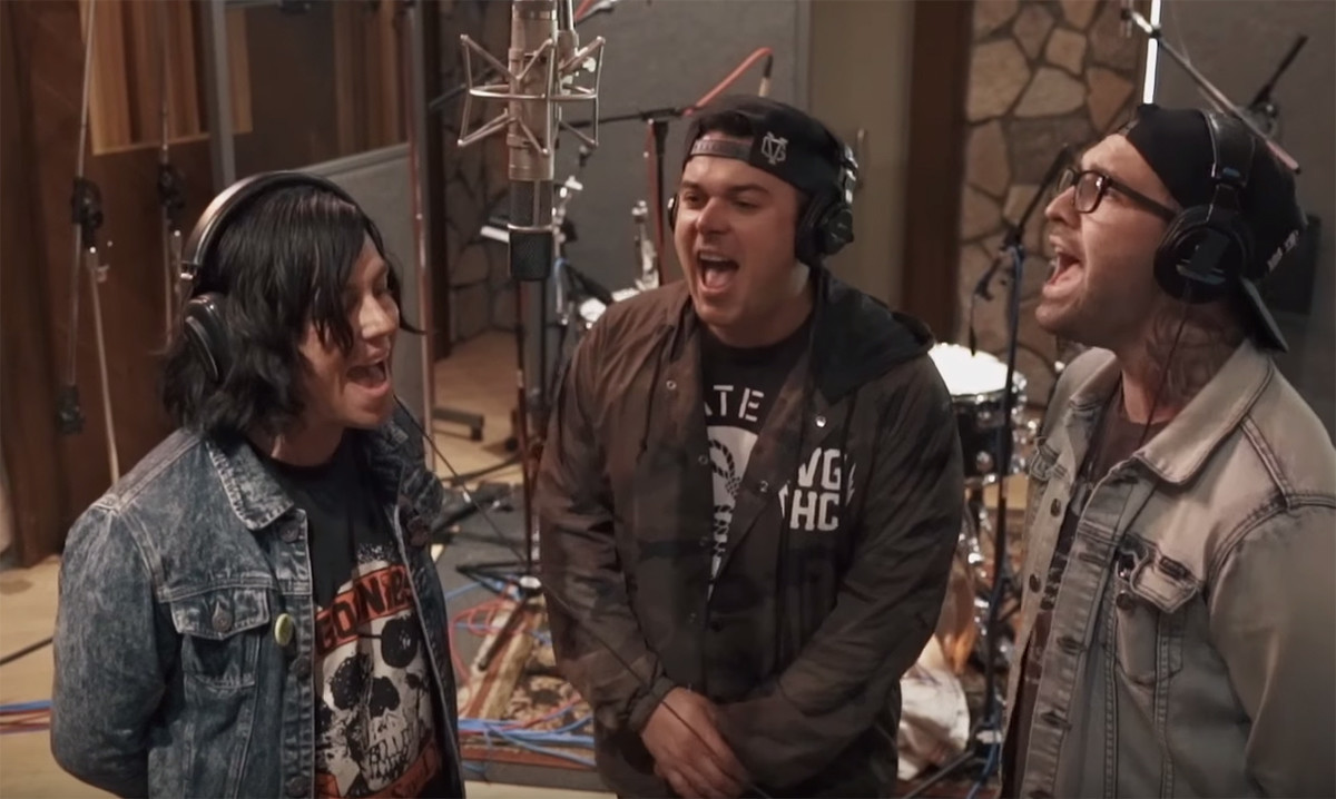 Sleeping with sirens talk gossip i feel like our fans should grow sleeping with sirens have released a new mini documentary about the making of gossip m4hsunfo