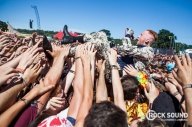 See Frank Carter & The Rattlesnakes Ride The Crowd At Reading Festival