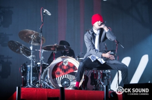 Twenty One Pilots + Green Day To Play Awards Show